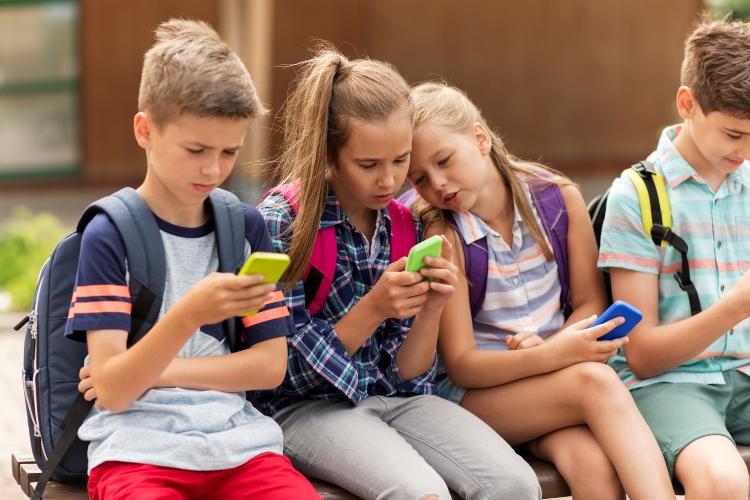 uso de teléfonos moviles en la infancia