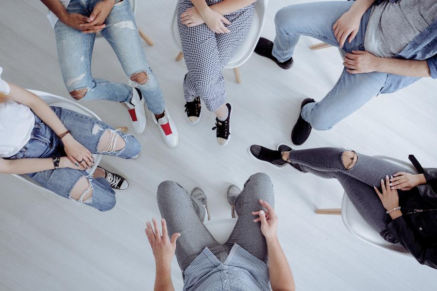 terapia de grupo con jóvenes adolescentes